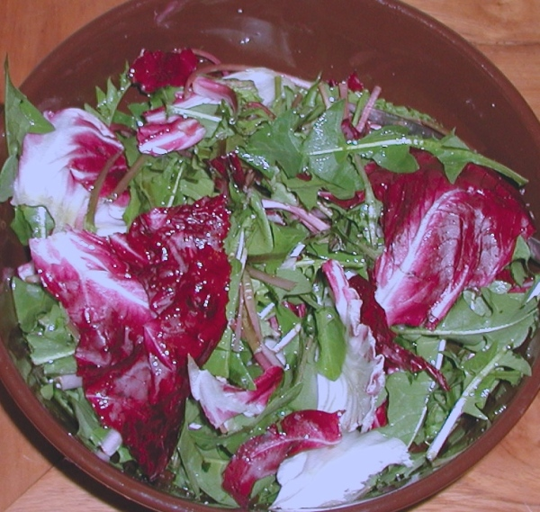 Wild dandelion and radicchio salad
